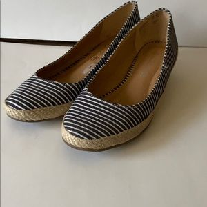 American Eagle Payless Stripe wedged